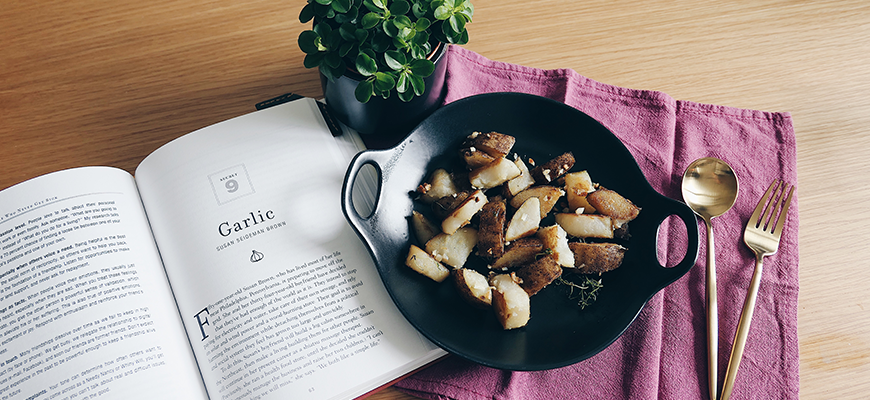 Pan-fried Potatoes with Garlic & Thyme